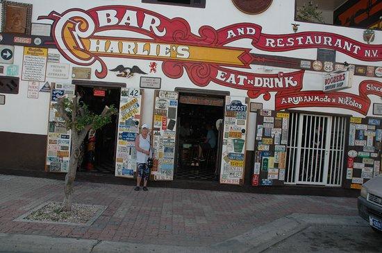 Charlie's Bar & Restaurant照片