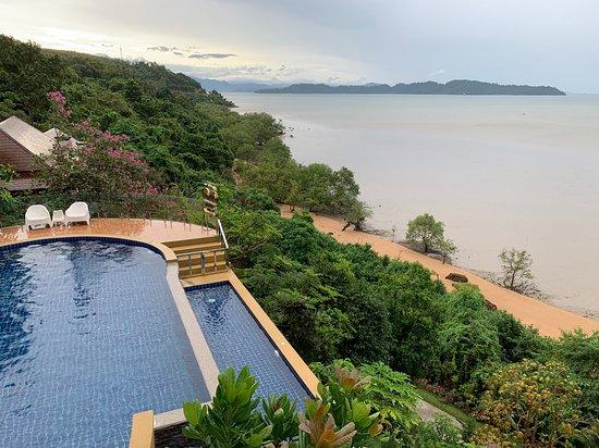 Victoria Cliff Hotel & Resort: zwembad