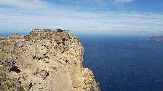 Mirador de Bascos: ... die Aussichtsplattform bröckelt ab ...