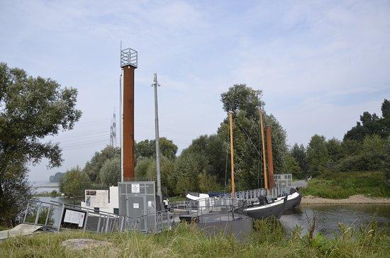 Leverkusen, Tyskland: Die alten Wupperkäne an der ehemaligen Wuppermündung