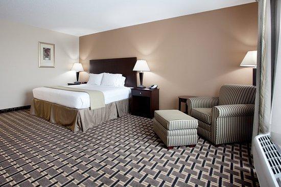 Pembroke, NC: Guest room