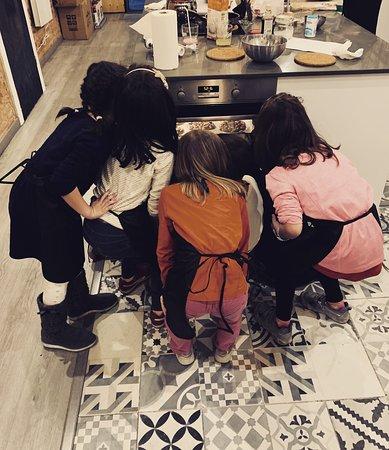 Cocinar es un juego para los niños y un deleite para los adultos, Taller amb Nens