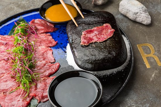 Robata Bar: говядина на речном камне