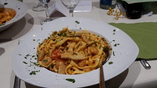 Zell am Main, Allemagne: Hauptspeise