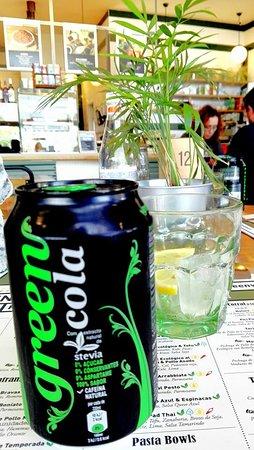 Greenvita cola esta riquísima es exactamente igual que la Coca cola 0 una bebida muy suave... el logo de la lata me encanto!!