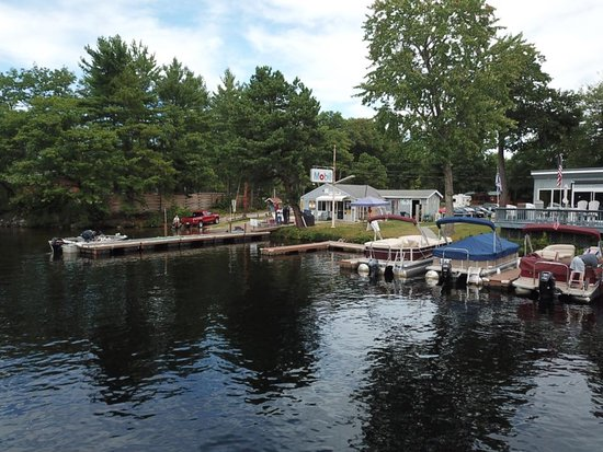 Lakefront Landing Marina Boat Rentals