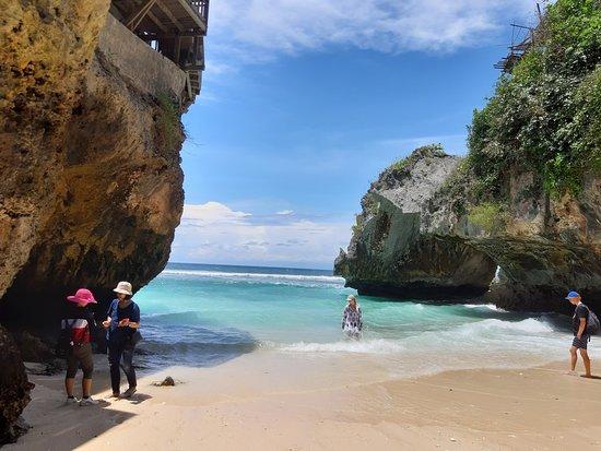 SULUBAN BEACH ULUWATU BADUNG BALI