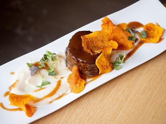 Mint Restaurant: Galtes meloses de porc puré de céleri a la vainilla