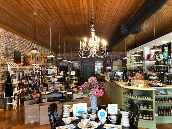 Wiggins, MS: Our store...coffee shop, art gallery, gift store and woodturning studio all under one roof.
