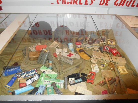 Vierville-sur-Mer, Francia: Personal Items from the D-Day Battle.
