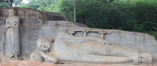 Gal Vihara: Both buddhas