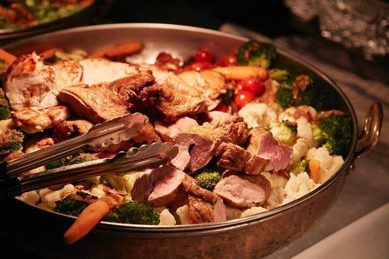 KÖRRI Speisekontor: Schweinefilet, krosse Ente und saftiges Hähnchen aus unser Kupferpfanne