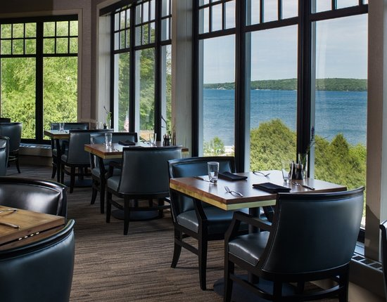 the geneva inn restaurant patio lake geneva. Black Bedroom Furniture Sets. Home Design Ideas