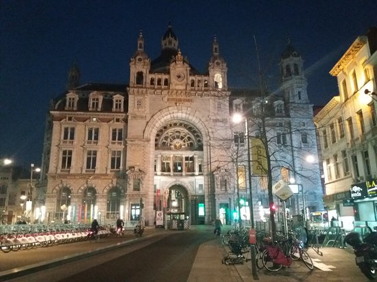 Antwerp Province, Belgium: Centrall station of Antwerp. Glorious to be........
