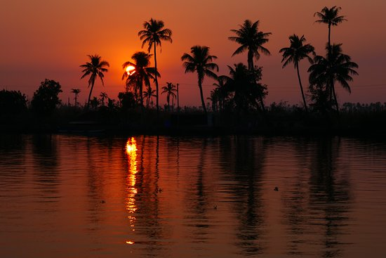 Watching the sunset was a perfect end to our days cruise, just make sure you have some mosquito repellent though!