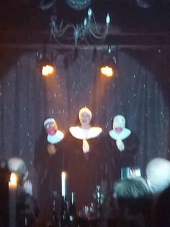 Cabaret des Belles Poules