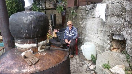 Drusici, Montenegro: Vinarija Janković - Drušići - Rijeka Crnojevića Make brandy in a traditional way