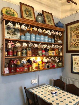 Peacocks Tearoom لوحة