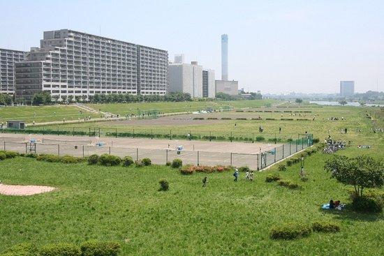 Tamagawa Gas Bridge Green Space Tennis Court