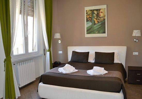 Mia Suites: Double Room