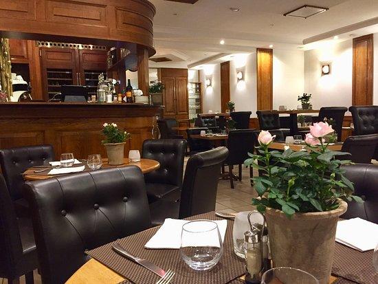 La Scene Brasserie: Restaurant & bar