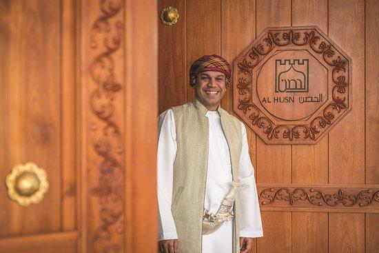 Shangri-La Al Husn Resort & Spa: Doorman