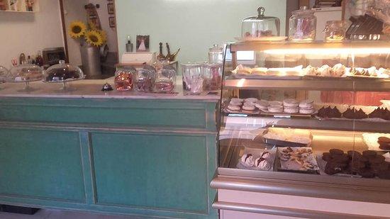 Campos, Spain: dulces y sandwiches