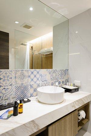 Bathroom details (Deluxe rooms)