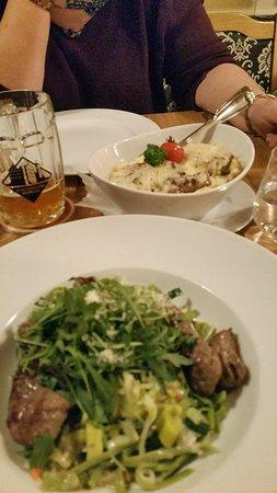 Aulendorfer Schlosstöpfle  und Hausgemachte Bandnudeln mit Rinderfilet streifen