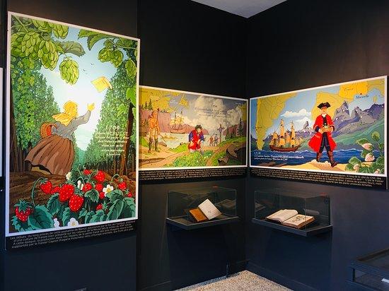 Namur, Belgium: La salle historique : les premières cultures fraisières et la découverte des Amériques.