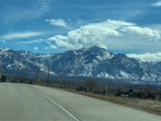 Montañas Wasatch, UT: Just a typical site driving south of Salt Lake City!!!