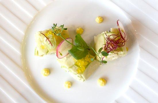 Le Troisieme Lieu: Maki fraîcheur, langoustines et radis daikon