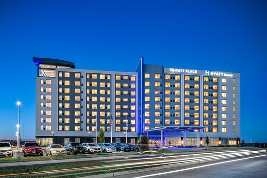 East Moline, IL: River Room - located at the Hyatt House | Hyatt Place Quad Cities. 111 Bend Blvd. Right on the River.