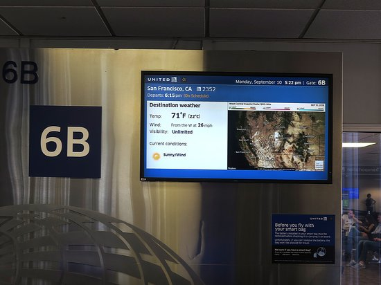 United Airlines: UA2352 PHX to SFO 737-900 - PHX Airport Gate 6B Monitors w/ Inflight Weather