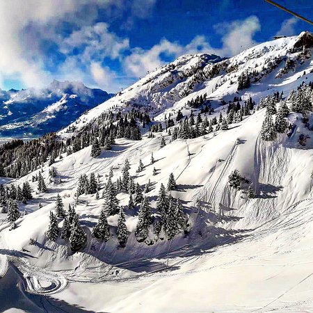 Leysin, Switzerland: Awesome picture from the swiss mountains🇨🇭. Enjoy !