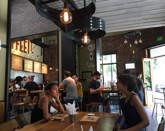 Padre Coffee Roasters : View across the cafe