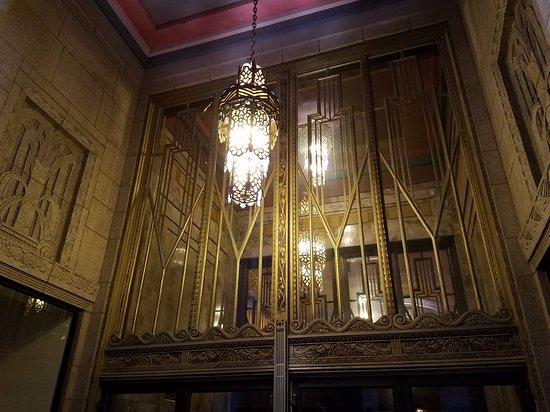Tulsa Art Deco Museum: Building Detail