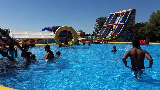 une très grande piscine rajoutée en 2018
