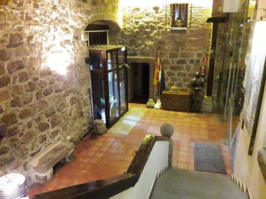 Hotel Palacio de Monjaraz: Vista desde la escalera de acceso a las habitaciones