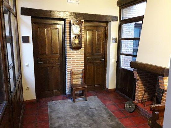 Hotel Palacio de Monjaraz: Detalle de la entrada a la habitación