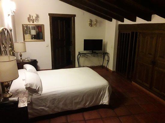 Hotel Palacio de Monjaraz: Dormitorio del piso superior de la habitación