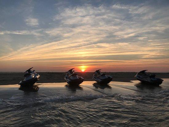 Soulac-sur-Mer, France : Pause sur le banc de sable de Cordouan au coucher du soleil. Magnifique !!!!