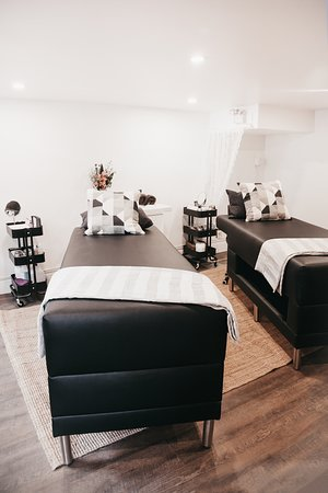 Elevate Lash Lounge