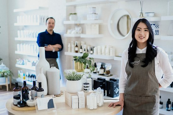 Come meet our friendly team, experts in natural and organic skincare and makeup