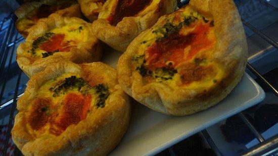 Wolfe Island Bakery: Breakfast tart