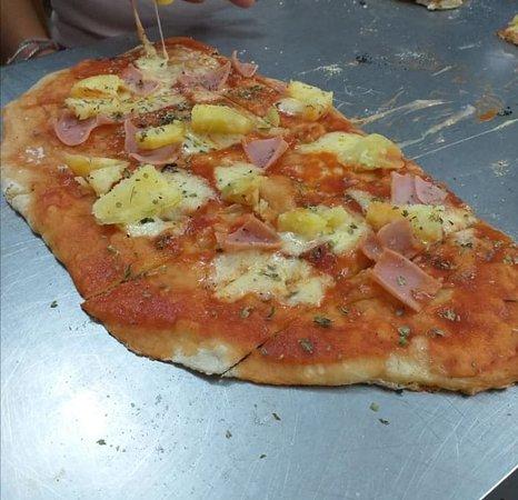 Mr. Pizza: La Delicia de las papas con Jamon mezclados en el queso 🍺