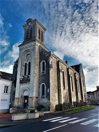 Eglise de Saint-Gervais-les-Trois-Clochers