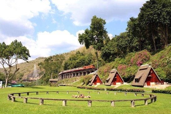 Sai Yok, Thailand: ปู๊น...ปู๊นนนน สถานที่งามๆกับวิวสวยๆ #สวนไทรโยครีสอร์ท