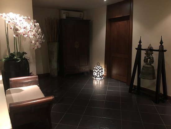 Dahra Beauty & Spa - Silom