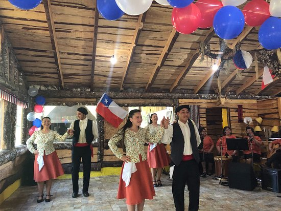 Chilean folklore evening as a nice end to the two-day program
